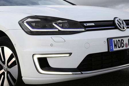 Volkswagen E golf vs Nissan leaf