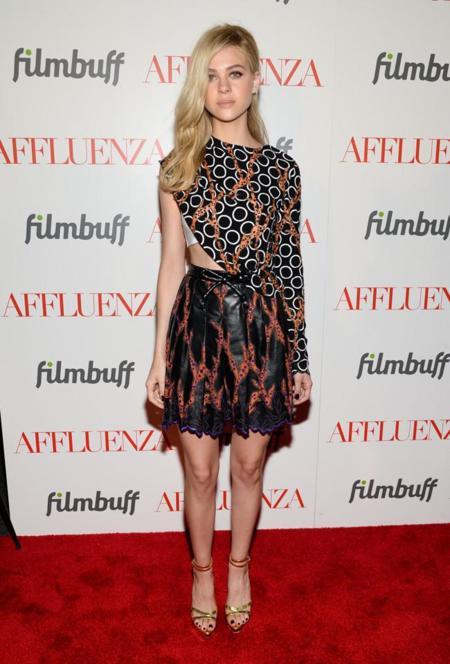 Nicola Peltz Affluenza NY premiere vestido Louis Vuitton Resort 2015