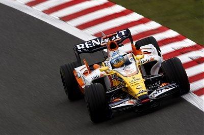Alonso y el R28 no confirman en carrera su mejora