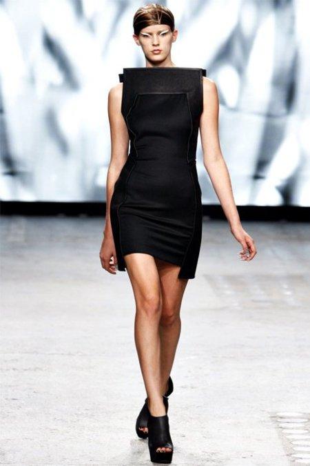 Vestido negro Gareth Pugh Primavera-Verano 2012