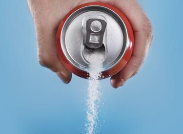 Aumentar impuestos de bebidas azucaradas y subvencionar frutas y verduras: se buscan soluciones a la epidemia del siglo XXI