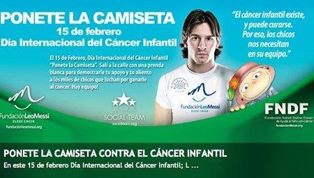 Messi se pone la camiseta contra el cáncer infantil