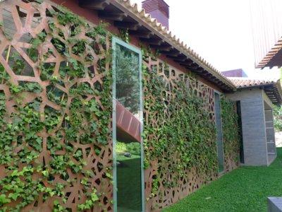 El cobre como material alternativo para decorar en el jardín: 5 ideas
