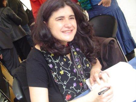 Lucía Etxebarría se queja de sus editores, las copias ilegales, Hacienda, Movistar, el abogado, el fontanero...
