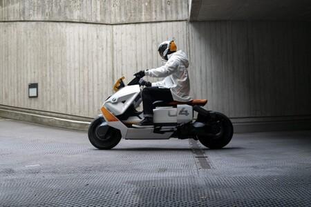 Definición de motocicleta bmw Ce 04