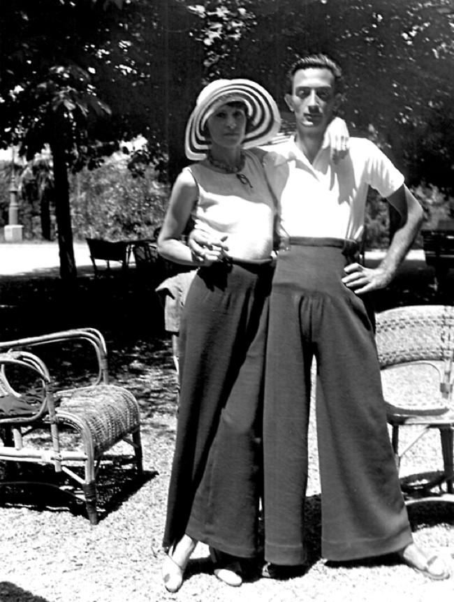 Los indescriptibles diseños de moda de Salvador Dalí