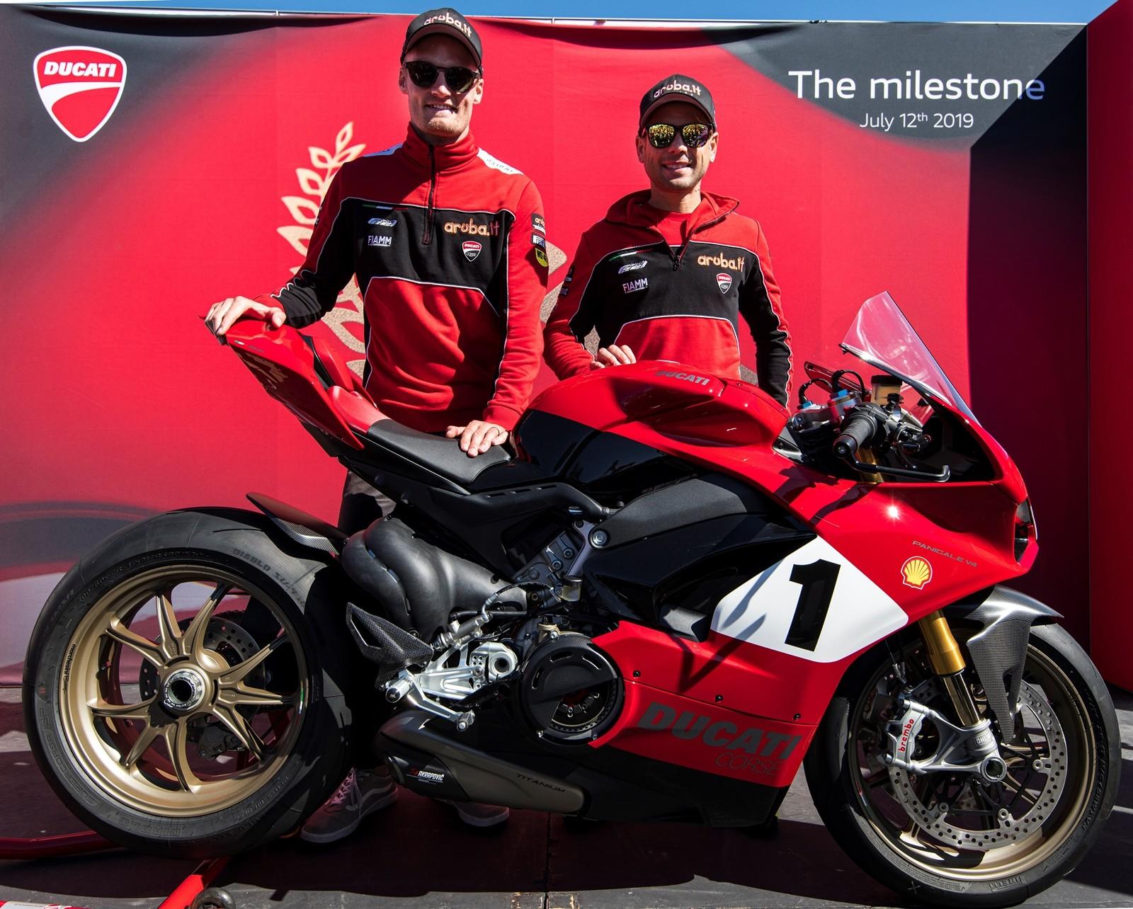 Foto de Ducati Panigale V4 25° Anniversario 916 (37/73)