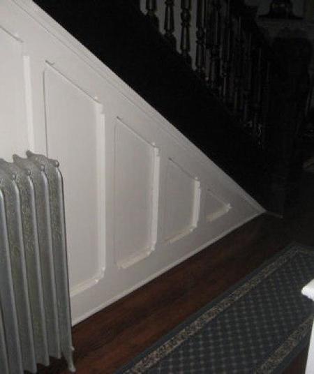 bajo escalera cerrada