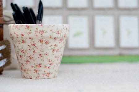 Un DIY de primavera: Recicla tus viejos tiestos y customizalos a tu gusto