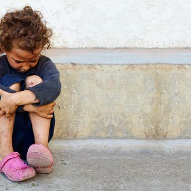 Pobreza infantil en España: siete medidas por las que puede empezar Pedro Sánchez para acabar con ella