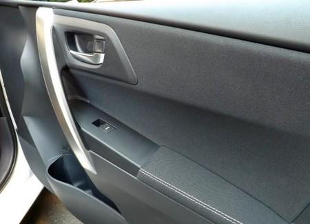 Toyota Auris Touring Sport Hibrido, hueco puerta