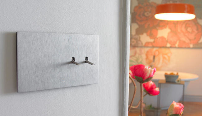C mo funcionan los interruptores conmutados y cruzados - Llaves de luz niessen ...