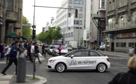 Audi ha estado probando la comunicación de semáforos y coches
