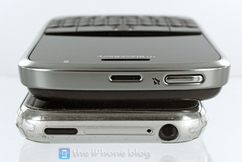 Foto de BlackBerry Bold vs iPhone (11/17)