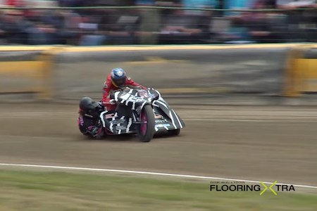 Guy Martin se atreve con todo, esta vez sale a rodar con un sidecar de speedway