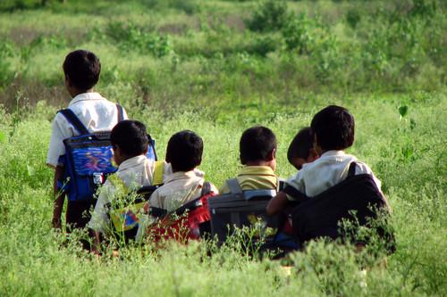 Cuando asistir a la escuela se convierte en un duro y peligroso viaje diario: seis historias de superación que te emocionarán