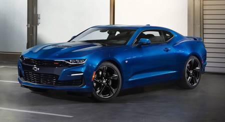 El Chevrolet Camaro tendrá dos motores híbridos y un nuevo 4 cilindros turbo