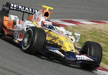 Kovalainen colabora en el punto y final de Fisichella