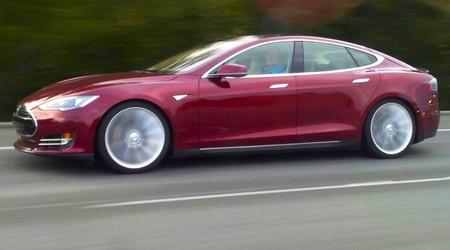 Tesla Model S perfil