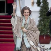 La reina Doña Sofía en la cena de gala previa a la boda de Guillermo de Inglaterra y Kate Middleton