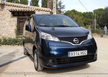 Nissan Evalia 9
