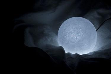 Ahora la luna ilumina tu casa