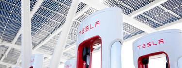Tesla abrirá su red de carga Supercharger a otros vehículos eléctricos a finales de este año, confirmó Musk