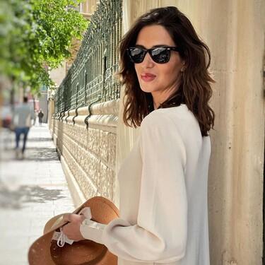 Sara Carbonero tiene el look definitivo para esta primavera-verano: un vestido de punto y unas sandalias de cuña
