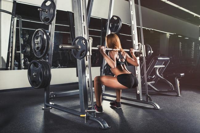 Un Ejercicio Para Pierna: las sentadillas trabajan el mayor conjunto muscular de nuestro cuerpo