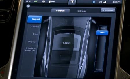 Tesla Model S pantalla táctil, apertura del techo solar
