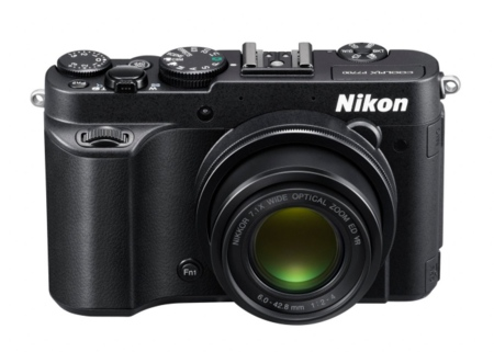 La Nikon CoolPix P7700 quiere fotos con más luz