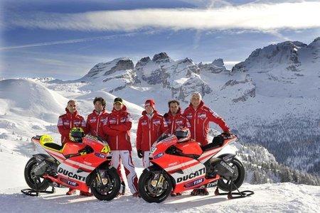 MotoGP 2011, primera jornada de pruebas del equipo Ducati en Jerez