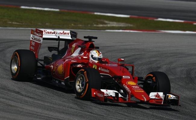 Vettel y Ferrari inician con el pie derecho en Malasia