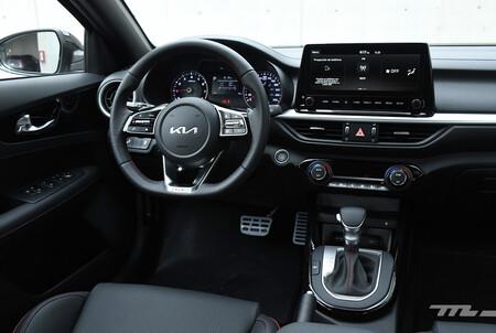 KIA Forte GT 2022 interior 4