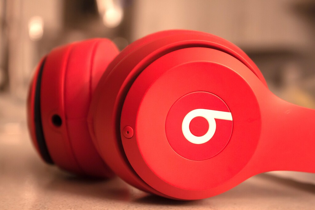 Cómo mejorar el sonido de películas, música o llamadas cuando usamos unos AirPods o Beats en nuestro iPhone o iPad