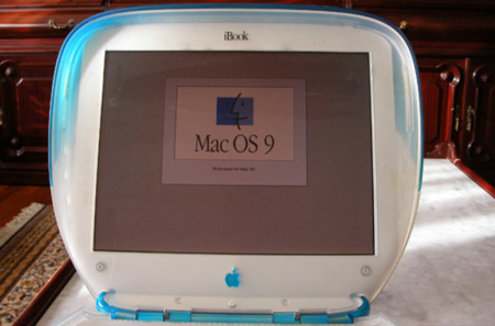 iBook Clamshell Blueberry