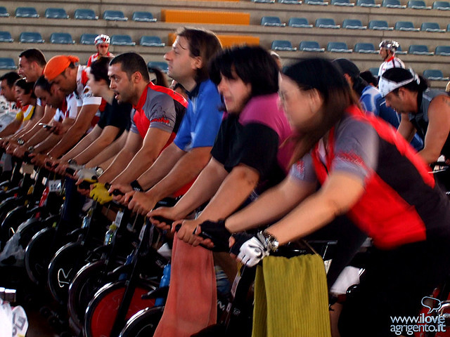 Body pump vs spinning qu ejercicio quema m s grasa for Clases de spinning