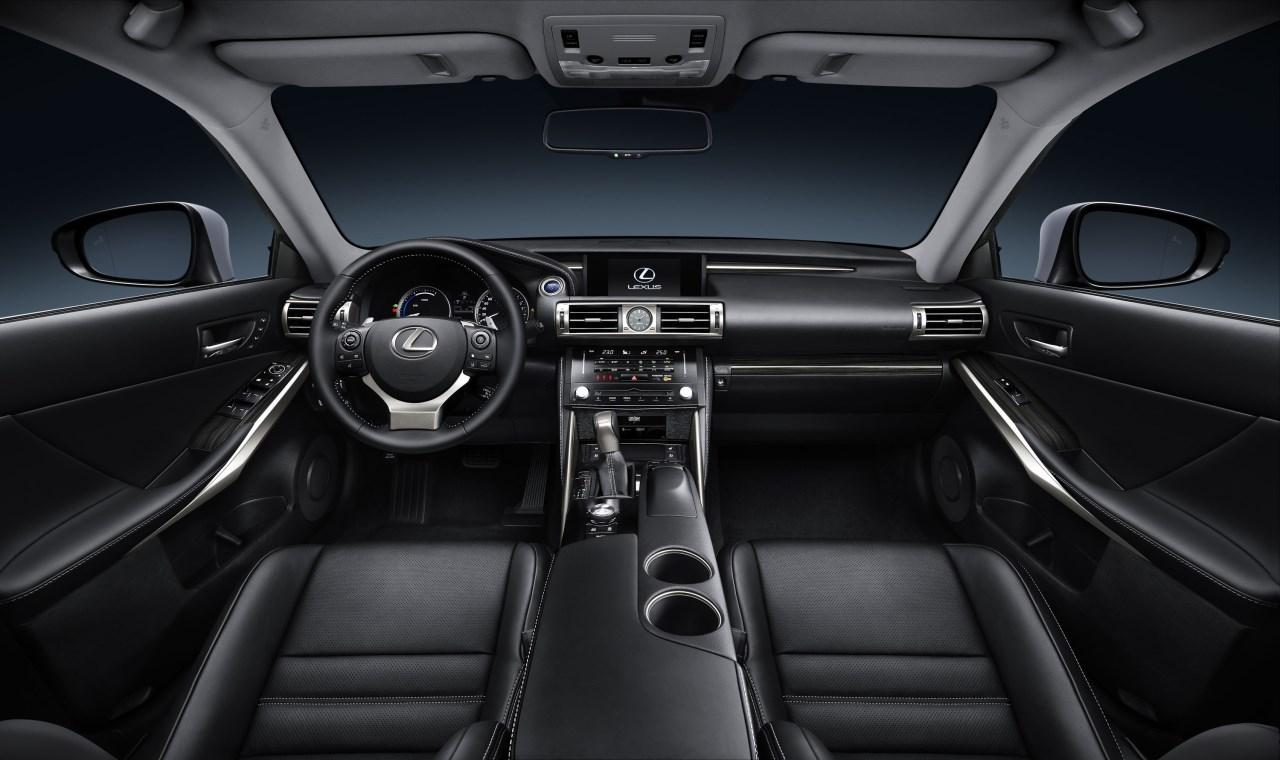 Foto de Lexus IS 300h (47/53)