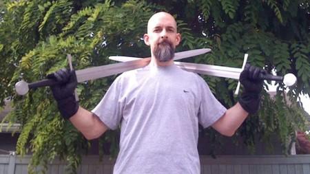 Neal Stephenson protagoniza el mejor vídeo promocional que hemos visto hasta ahora en Kickstarter con 'CLANG'
