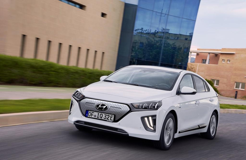 Hyundai IONIQ Electric, una merecida renovación que nos trae mas reciente batería, autonomía de 294 km y mas grande conectividad