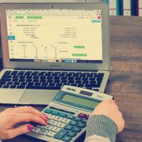 ¿Qué gastos nos podemos deducir si tenemos una tienda online?