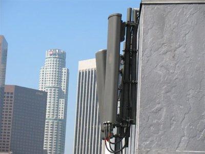 Los ayuntamientos no podrán imponer tasas a las telecos por el uso de antenas y redes