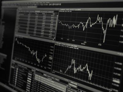 Los algoritmos también destruyen empleo cualificado: el caso de los traders de bolsa