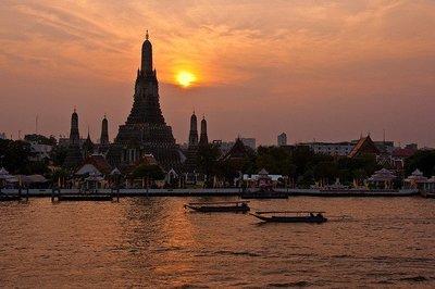 Guía de templos de Bangkok: Wat Arum o Templo del Amanecer
