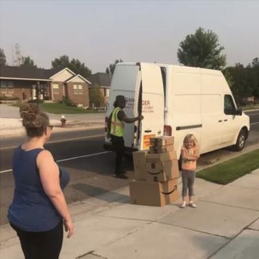 Una niña de seis años gasta 350 dólares en juguetes por Internet, y logra que le entreguen el pedido al día siguiente