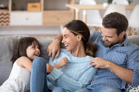 Familia Sonriendo Casa