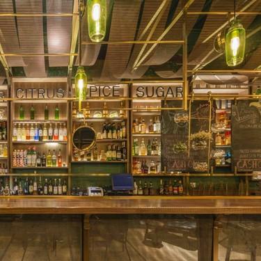 Puñetazo: un bar en Shanghai con decoración y ponche característicos de su influyente sociedad