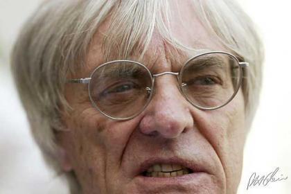 Bernie Ecclestone manda un tirón de orejas a Kimi Raikkonen