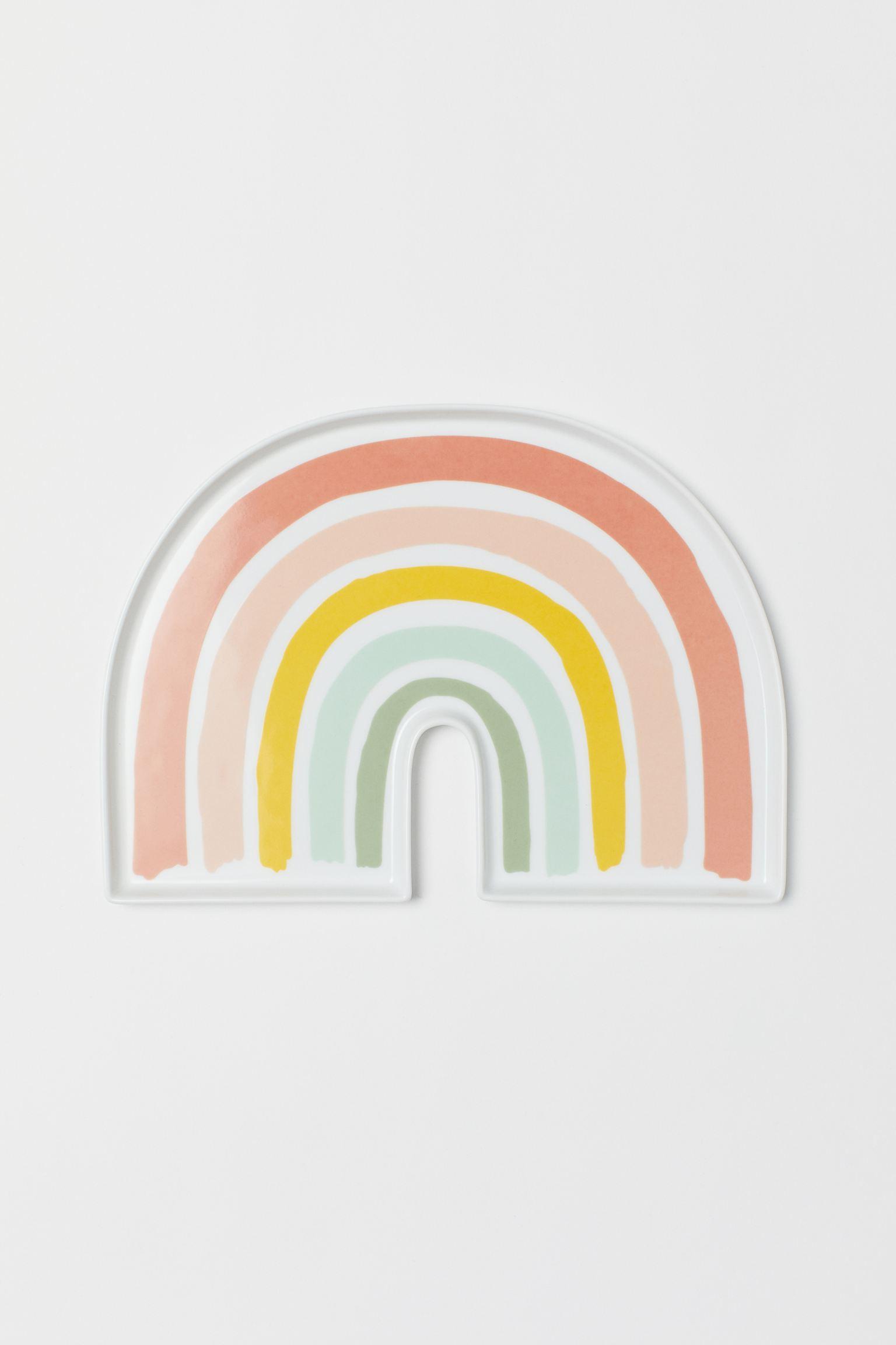 Plato con forma de arcoíris