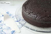Cómo hacer bizcocho esponjoso de cacao sin huevo. Receta
